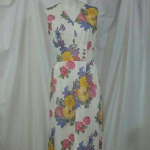 Vtg Leslie Fay Sleeveless  Long Flowered Dress
